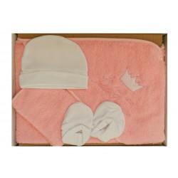 Coffret cadeau naissance fille. Sortie de bain rose et ses accessoires