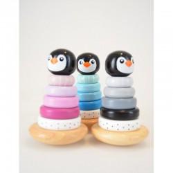 Les 3 pyramides pingouins en bois. jouets d'éveil. Marque : Magni.
